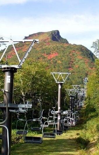 紅葉登山が有名な北海道の山