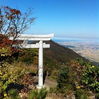 山頂手前の鳥居_済