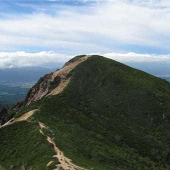 八ヶ岳登山中に東天狗岳から見る西天狗岳