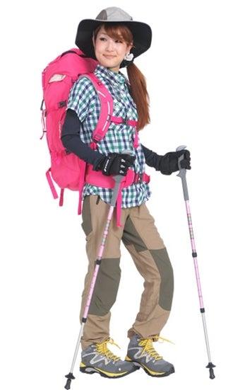 ズボンスタイルの山ガールファッション