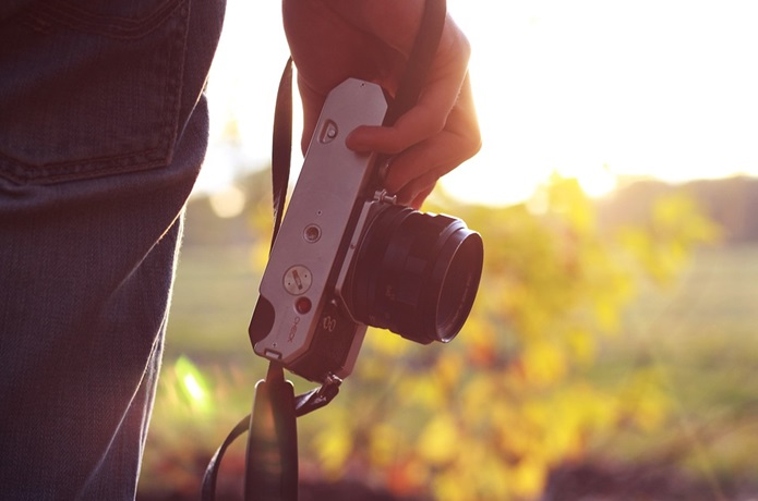 登山中にカメラを使う人