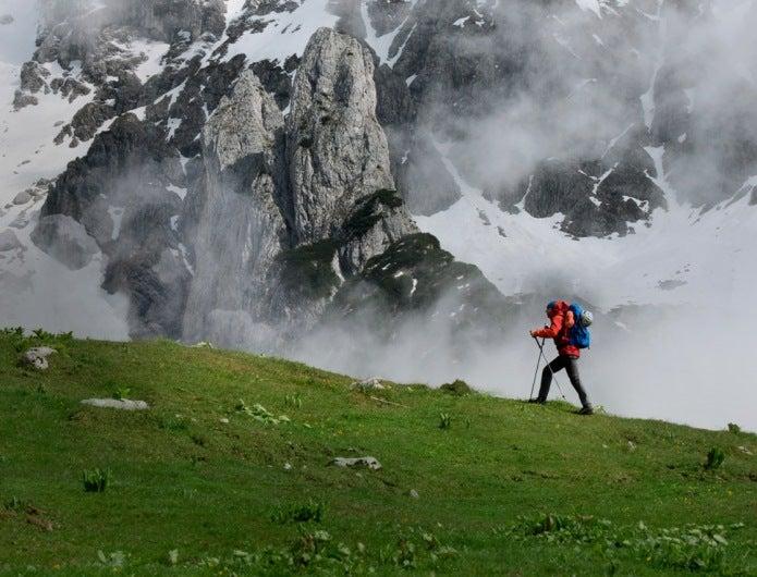 登山時計をつけて登山
