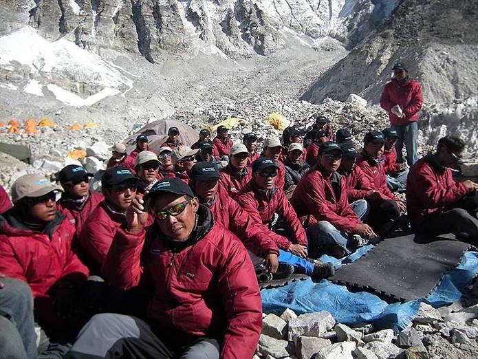 エベレスト 登山になくてはならない存在シェルパ