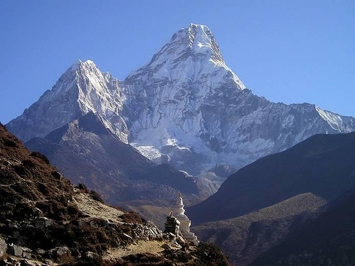 エベレスト 登山の映画を見てエベレストのスケールを感じよう