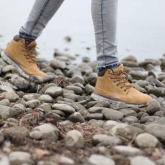 登山靴の手入れ:たまにはお散歩に連れて行こう