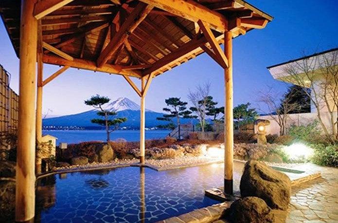 富士山温泉秀峰閣湖月