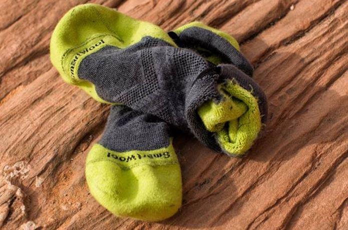 使用済みのスマートウールの靴下
