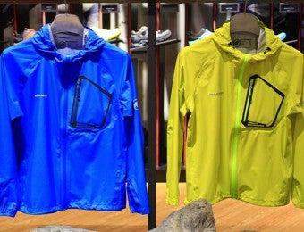 2色のマムートのジャケット
