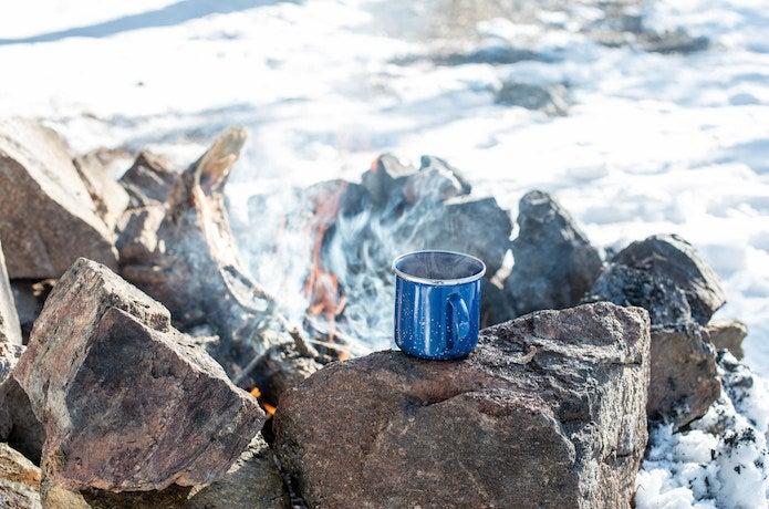 アウトドアコーヒーが入っているコップ