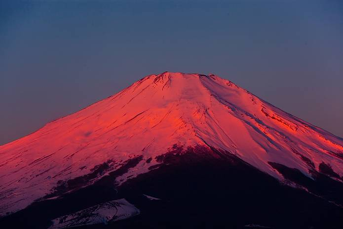 雪の赤富士
