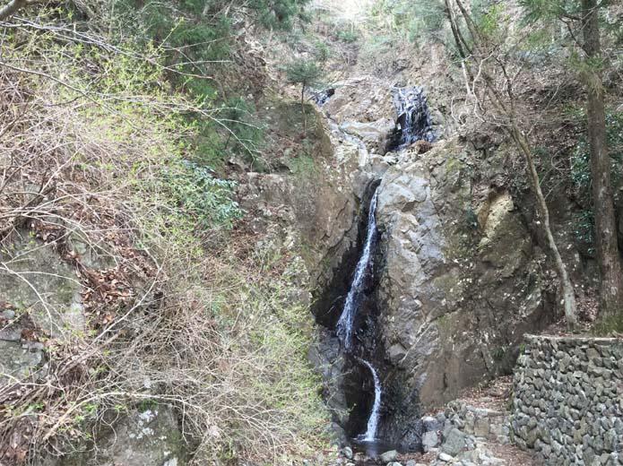 丹沢大山下山道にある滝
