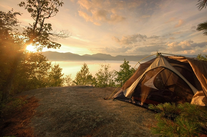 ソロキャンプのテント