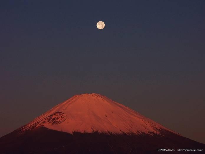満月と赤富士