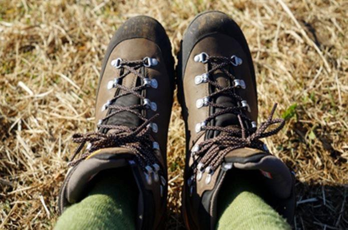 キャラバンの靴を履いている足