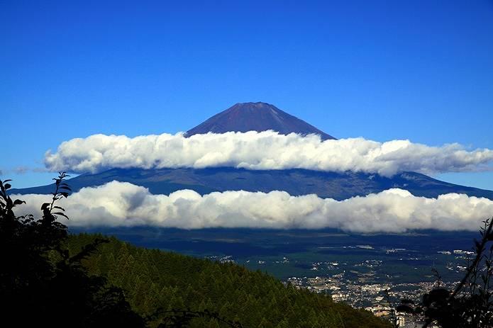 富士山 画像 二つの雲