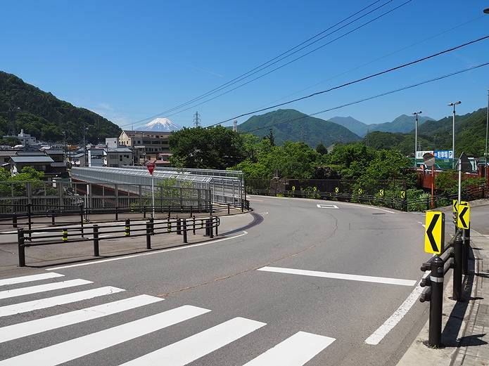 岩殿山 高月橋からの富士山