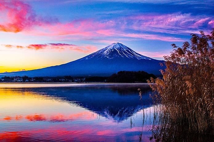 富士山 画像 湖と夕焼けすすき