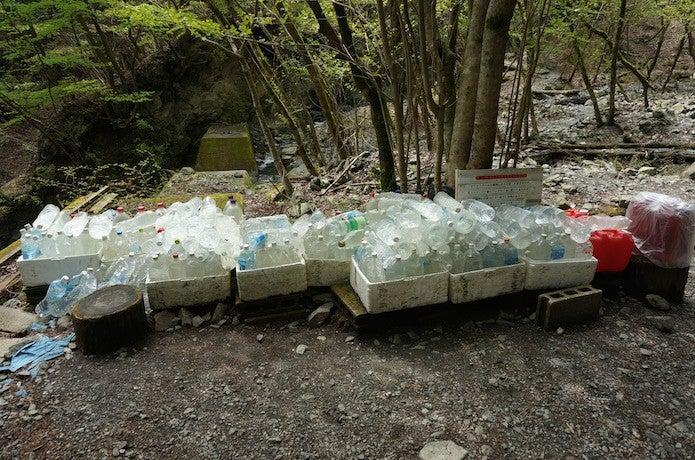 水を運ぶボランティア