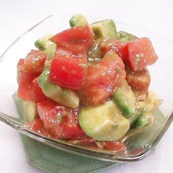カニ缶を使ったアボカドのサラダ