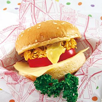 チキンラーメンでハンバーガー