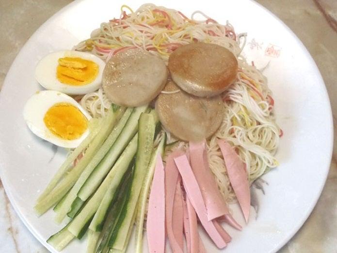 魚肉ソーセージ、サラダ麺