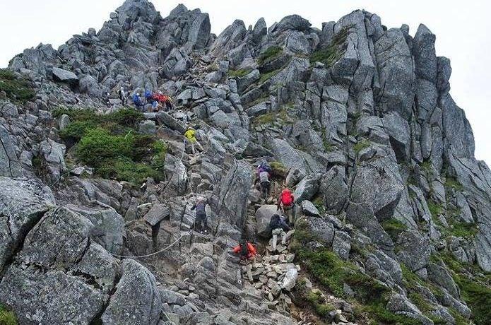 中央アルプス 宝剣岳の鎖場