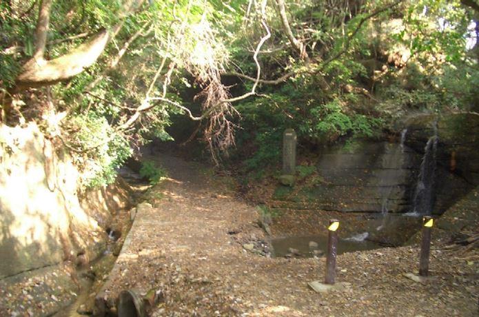 鎌倉のハイキングにある道