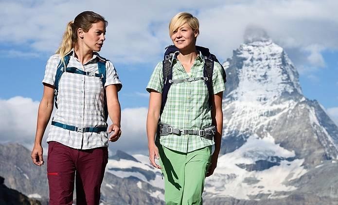 登山 ファッション 山シャツ女子