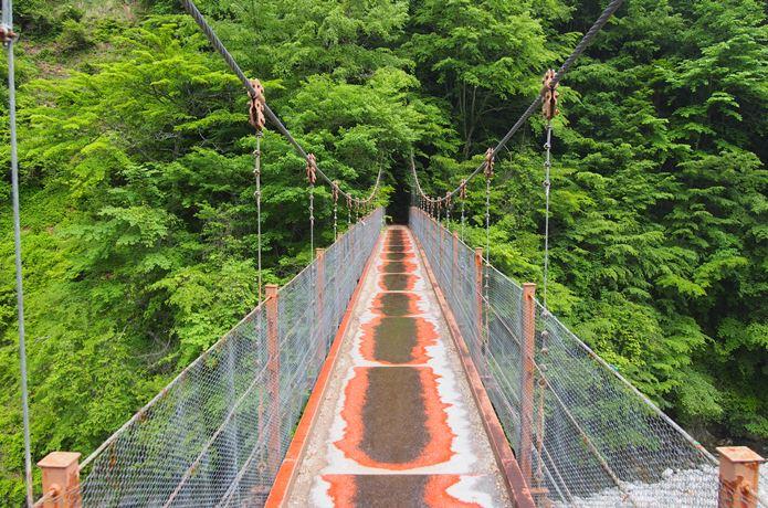 西沢渓谷の二俣吊橋