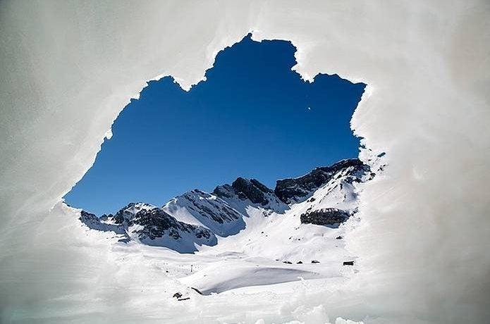 ビバーク 雪洞