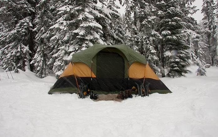 テント泊 寒い
