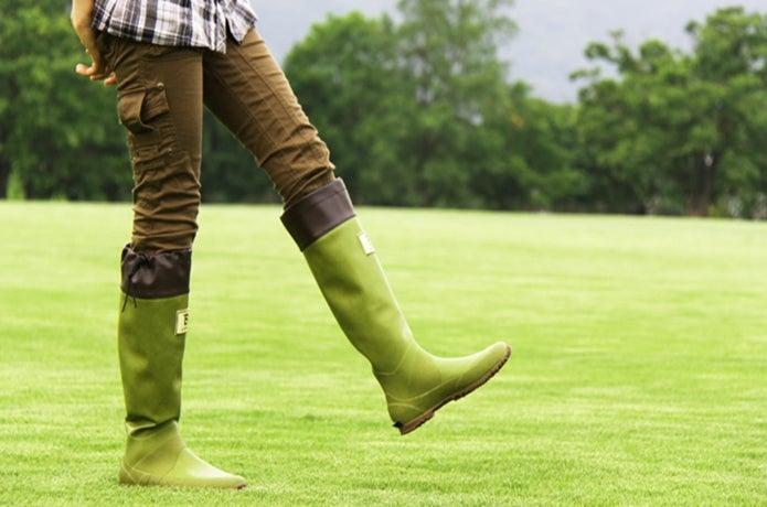 野鳥の会長靴を履いている画像
