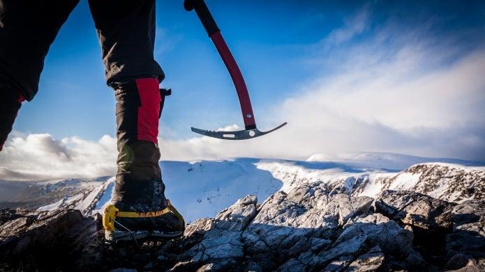 登山ツアー 降雪