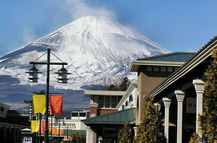 アウトドアアウトレットがある富士山のふもとの店