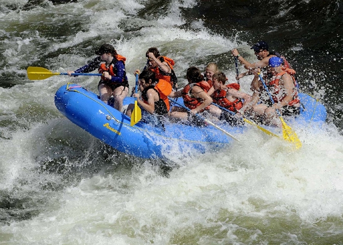 rafting-695318_1280