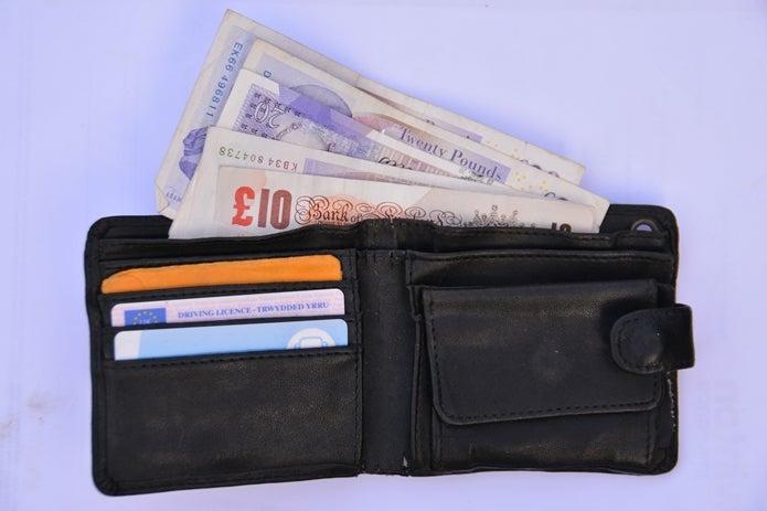 wallet-1263532_1920