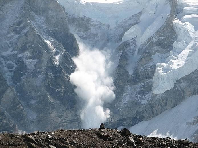 山の用語集 雪崩