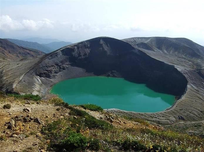 山の用語クイズ カルデラ湖