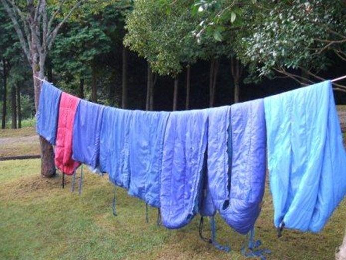 寝袋の洗濯後に一気に外に干す