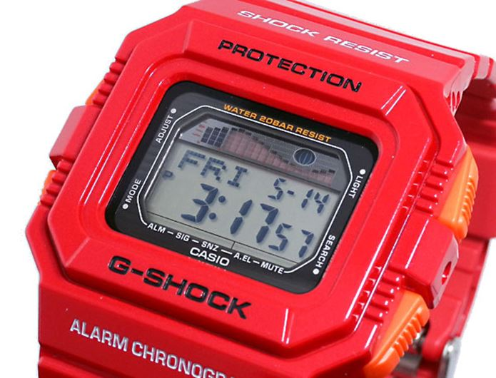 G-SHOCKの赤い時計