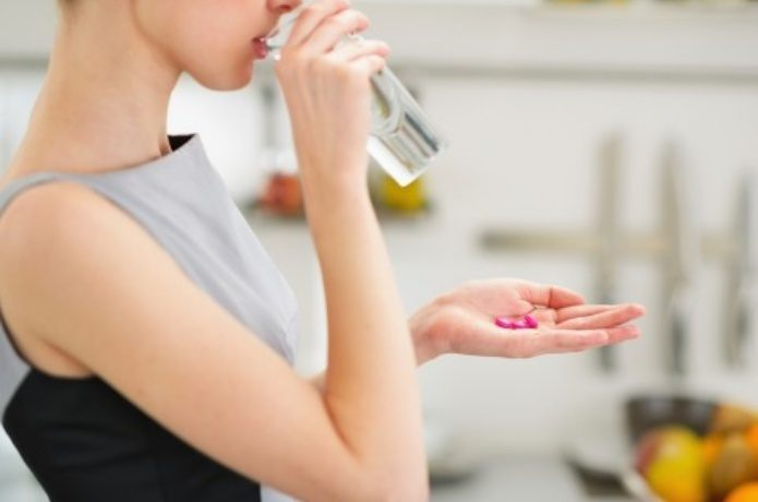 アナフィラキシーショックで薬を飲む