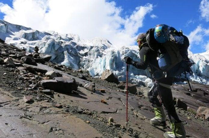テルヌア製品を身に着けた登山者