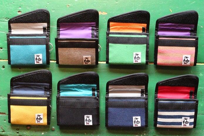 チャムスのカラフルな財布