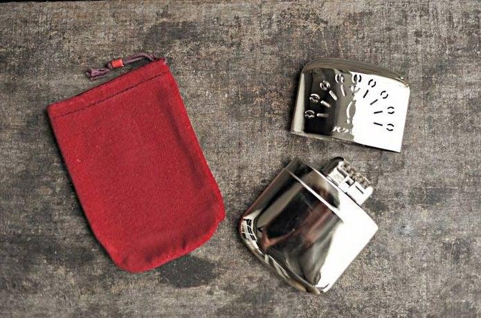 ハクキンカイロと付属の袋