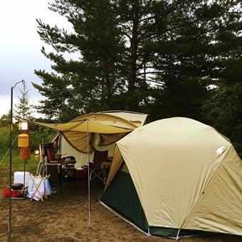 モンベルのムーンライトが設営されたテントサイト
