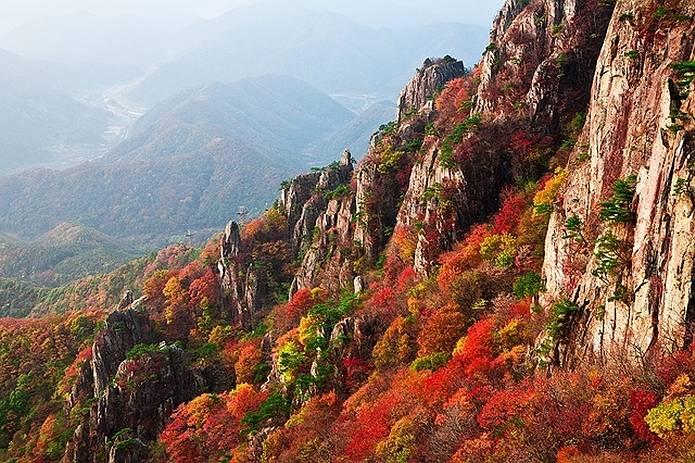 秋山の注意点 紅葉の山