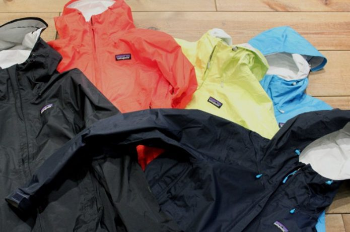色々なカラーのトレントシェルジャケット