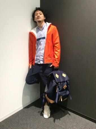 オレンジのトレントシェルジャケットを使ったコーディネート