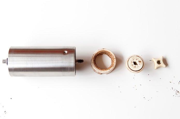 ポーレックスのコーヒーミルを掃除で分解