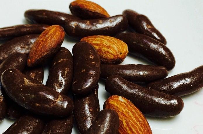柿の種チョコとナッツ